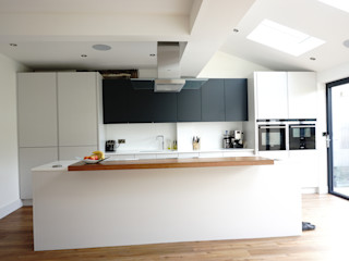 Kitchen Morley Grove Kitchens KitchenCabinets & shelves Grey