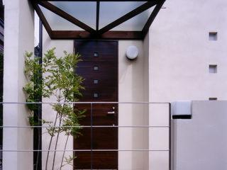 バスルームからパティオが見える家 豊田空間デザイン室 一級建築士事務所 モダンな 家