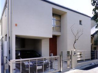 コの字型パティオのある家-Ⅰ 豊田空間デザイン室 一級建築士事務所 北欧風 家 ベージュ