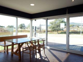 Casa prefabricada Cube 175 - Casa piloto en Barcelona Casas Cube Comedores de estilo moderno