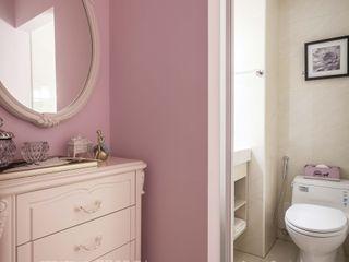 享家空間設計 Baños de estilo clásico Blanco