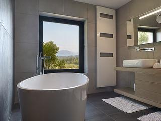 Atelier Jean GOUZY Mediterranean style bathrooms