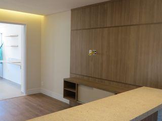 In.home Salas de estar modernas MDF Castanho