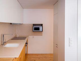 Apartamento PQ Estudi Agustí Costa Cocinas de estilo moderno