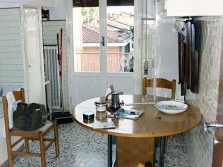 ristrutturazione e arredo di un appartamento anni '50 Flavia Benigni Architetto Moderne Küchen