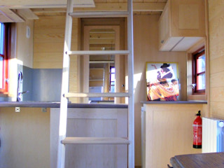 TINY HOUSE ATEN 620 TINY HOUSE CONCEPT - BERARD FREDERIC Cuisine minimaliste Bois Effet bois