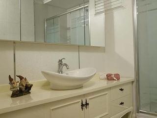 Öykü İç Mimarlık Classic style bathroom