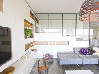 Vue sur Rhône Atelier OCTA Salon minimaliste
