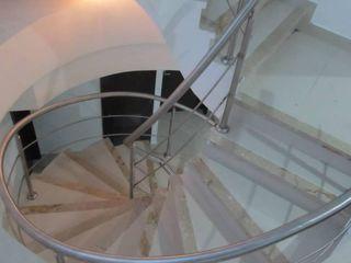 Grupo Moix SAS Moderne gangen, hallen & trappenhuizen