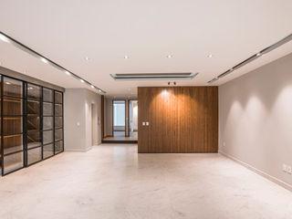 Sobrado + Ugalde Arquitectos 現代風玄關、走廊與階梯