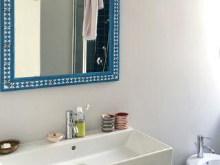 ArchEnjoy Studio Eclectic style bathroom Glass Turquoise