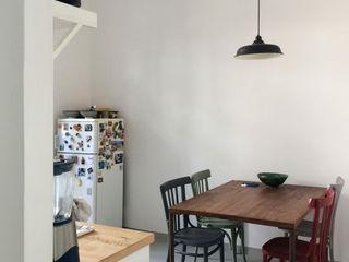 APPARTAMENTO SAN LORENZO_ROMA ArchEnjoy Studio Cucina in stile scandinavo Legno Grigio
