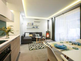 Diseño interior Casa para alquiler vacacional en Marbella DIKA estudio Salones mediterráneos