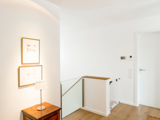 Ferreira | Verfürth Architekten 現代風玄關、走廊與階梯 木頭
