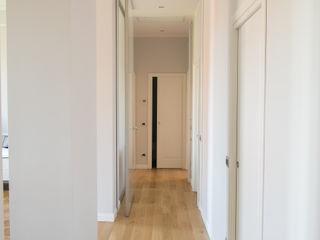 Refusi di tempo enzoferrara architetti Ingresso, Corridoio & Scale in stile moderno