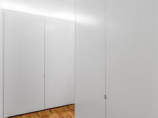 Atelier da Calçada Closets de estilo moderno