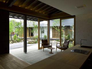木庵(コアン)デザインサロン 環アソシエイツ・高岸設計室 ラスティックな 窓&ドア 石