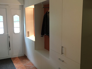 schrankwerk.de Corridor, hallway & stairsClothes hooks & stands White