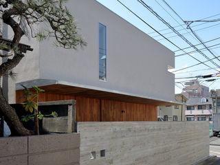 アトリエ スピノザ Maisons modernes Beige
