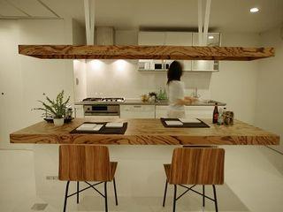 Order Furniture ゼブラウッド照明&テーブル 85inc. ダイニングルームテーブル 木 木目調