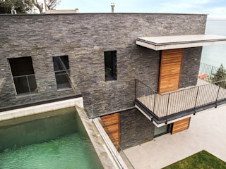 B&B Rivestimenti Naturali Modern houses Stone Black