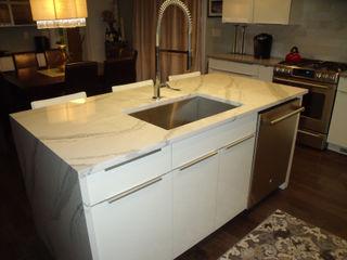 Kitchen Krafter Design/Remodel Showroom Cocinas de estilo moderno