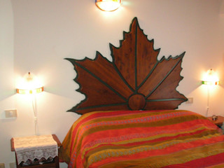 Gli Artigiani dei f.lli M.& S. Cordi snc BedroomBeds & headboards Wood