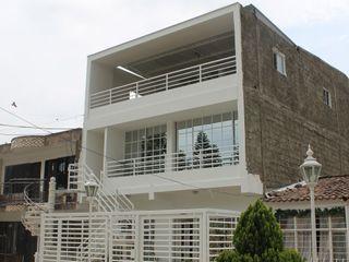 EXTERIOR IngeniARQ Casas modernas