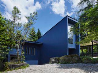 Villa in Lake Kawaguchi 久保田章敬建築研究所 Modern Evler Demir/Çelik Mavi