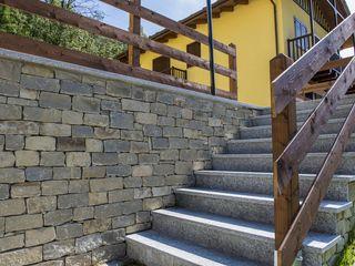 B&B Rivestimenti Naturali Rustic style houses Stone