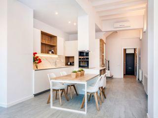 Lara Pujol | Interiorismo & Proyectos de diseño Mediterranean style kitchen