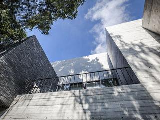 Miguel de la Torre Arquitectos Casas de estilo moderno