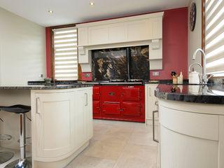 Mr & Mrs Moreton's Kitchen Room Dapur Klasik Parket Red