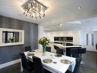 Mr & Mrs Davidson's Monochrome Kitchen Room Ruang Makan Modern Parket White