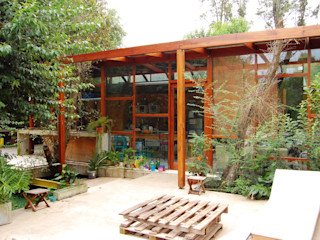 Guadalupe Larrain arquitecta Industrial style houses Solid Wood