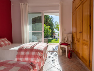 Home & Haus   Home Staging & Fotografía غرفة الاطفال Red