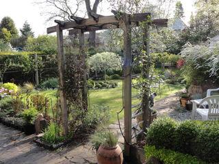 My Cheshire Garden - Spring Awakening The Garden - Caroline Benedict Smith Garden Design Cheshire Caroline Benedict Smith Garden Design Cheshire Jardines de estilo clásico