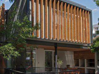 Thomas Löwenstein arquitecto 一戸建て住宅 木 木目調