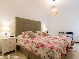Home & Haus   Home Staging & Fotografía غرفة نوم White