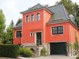 Kreativer Fassadenputz mit Schutz gegen Algen, Moose, Schimmel, Schmutz Volimea GmbH & Cie KG Ausgefallene Häuser Kalkstein Rot