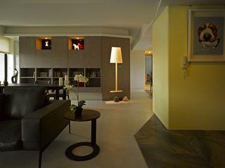 墐桐空間美學 Modern corridor, hallway & stairs