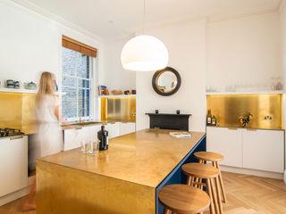 HAMPSTEAD APARTMENT Bradley Van Der Straeten Architects Dapur Modern