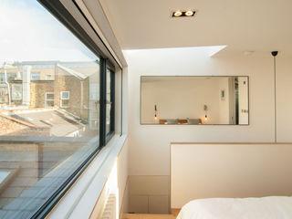 LONDON FIELDS LOFT Bradley Van Der Straeten Architects Kamar Tidur Modern Kayu Lapis White