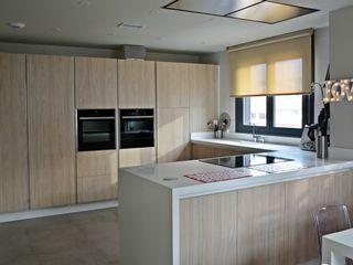 Cocinahogar Estudio Modern kitchen Wood effect