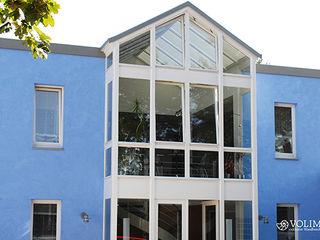 Außenfassade mit Lotuseffekt Volimea GmbH & Cie KG Moderne Häuser Blau