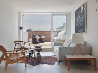 House in Rio Modern living room