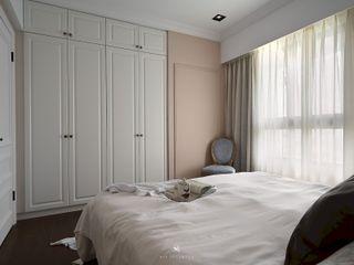 M.Maisonnette 理絲室內設計有限公司 Ris Interior Design Co., Ltd. 臥室衣櫥與衣櫃 White
