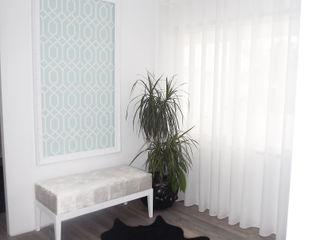 Andreia Louraço - Designer de Interiores (Email: andreialouraco@gmail.com) Pasillos, vestíbulos y escaleras de estilo moderno Blanco