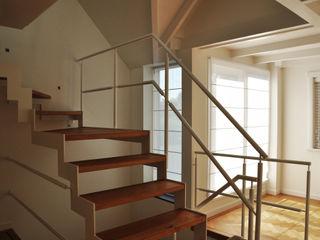 Nico Dekker Ontwerp & Bouwkunde Modern Corridor, Hallway and Staircase