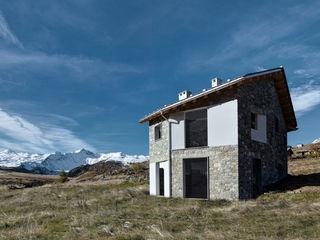 Casa FD storia di una casa non ancora finita es-arch Case moderne